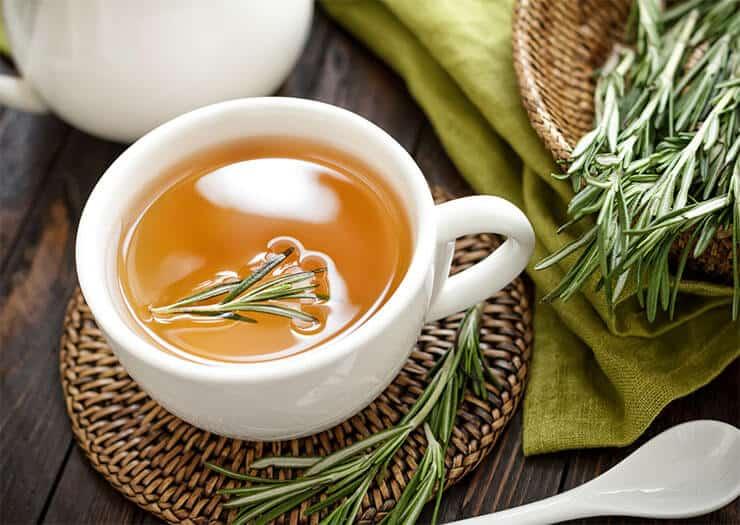 Rosemary tea to treat dog fleas